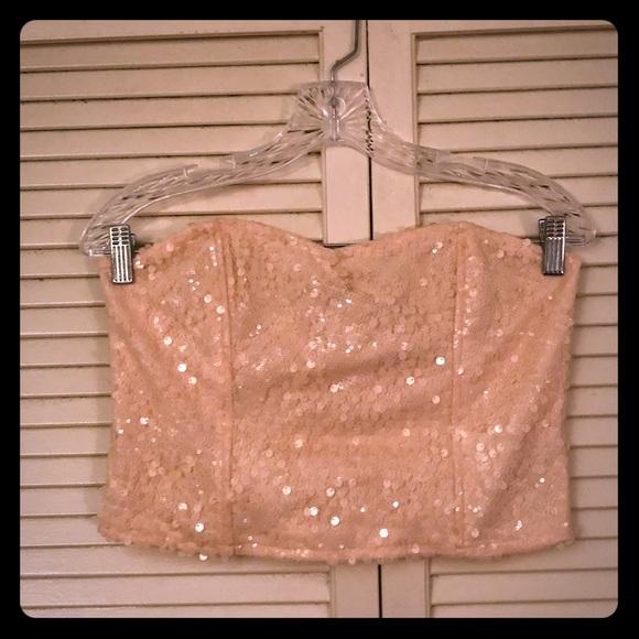 81dad869589 🎉$10 SALE🎉F21 rose gold sequin bustier crop top